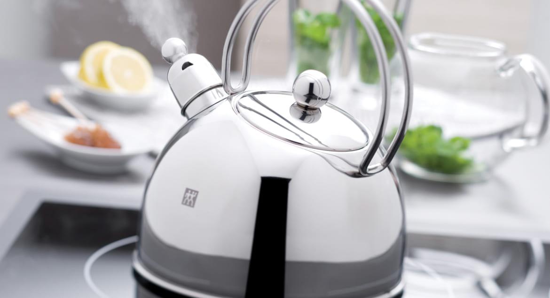 Uống nước đun sôi hay nước qua máy lọc tốt hơn?