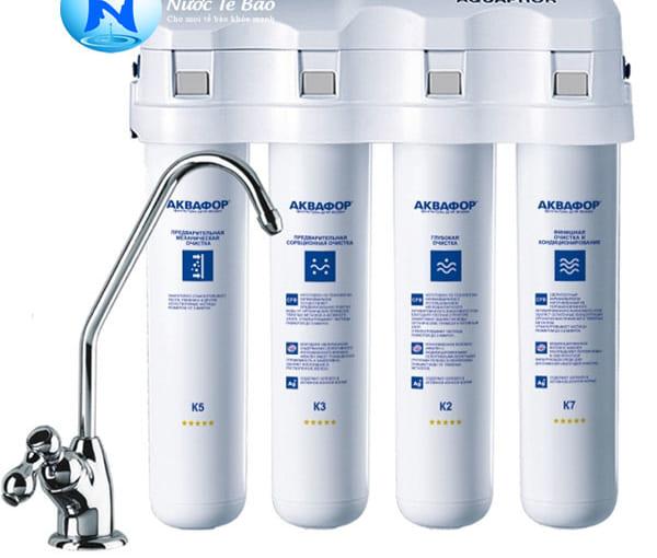 Máy lọc nước Aquaphor của nước nào?